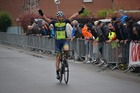 Davy Commeyne solo over de meet in Ruddervoorde